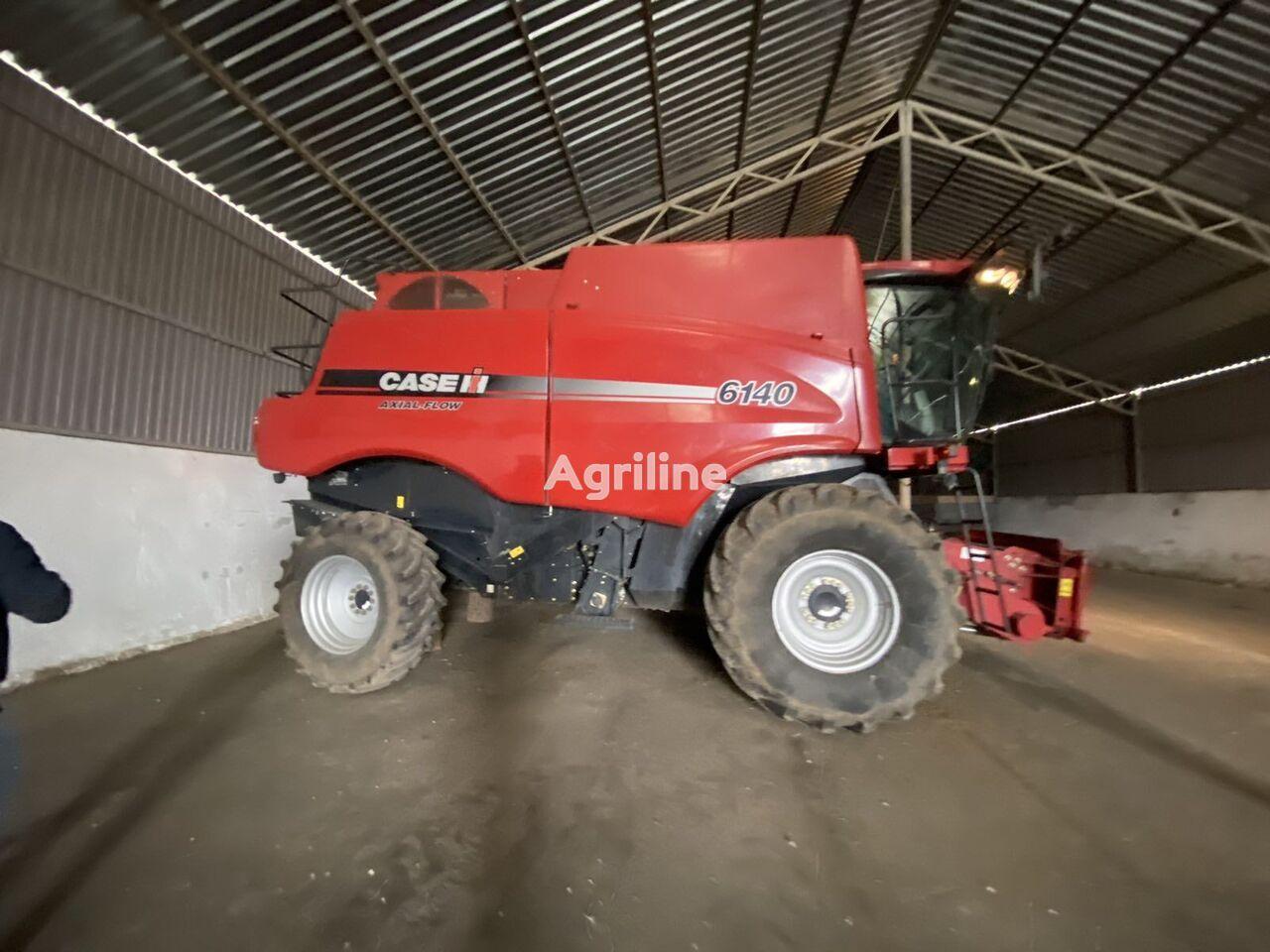 CASE IH 6140 Axial Flow v Lizing grain harvester