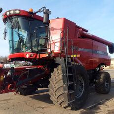 CASE IH 8230 grain harvester