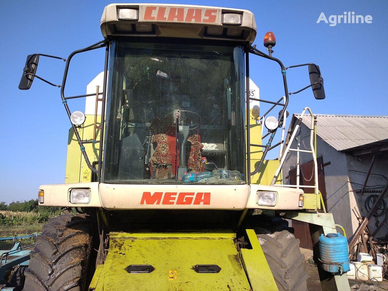 CLAAS Dominator 208 grain harvester