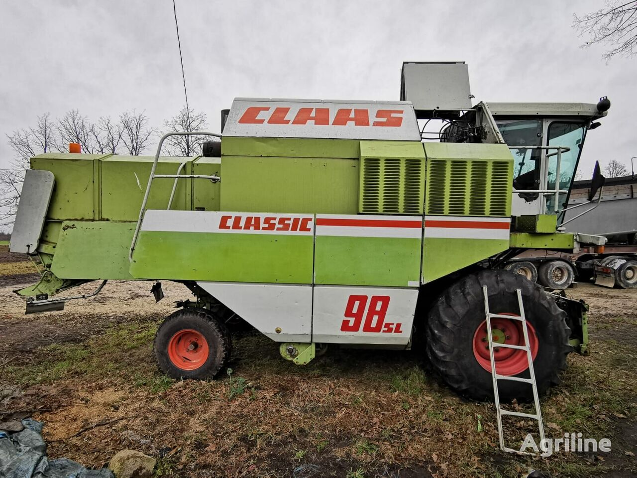 CLAAS Dominator 98 SL grain harvester