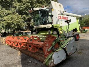 CLAAS Lexion 480 grain harvester
