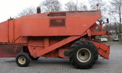 LAVERDA M150 grain harvester
