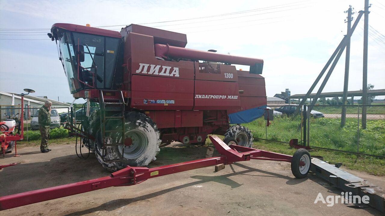Razborka kombaynov Lida 1300 grain harvester for parts