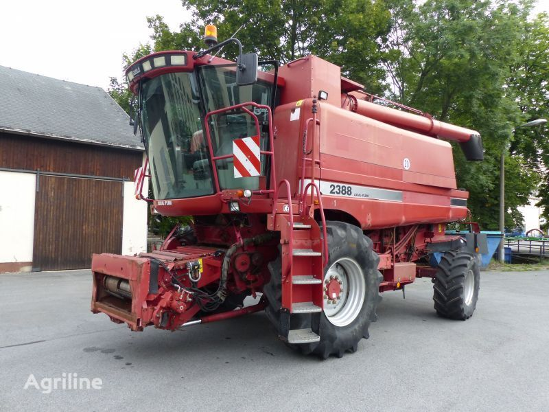 CASE IH 2388 grain harvester
