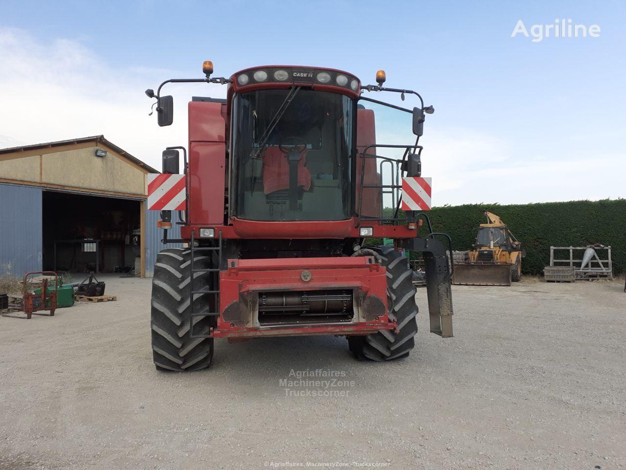 CASE IH 5088 grain harvester