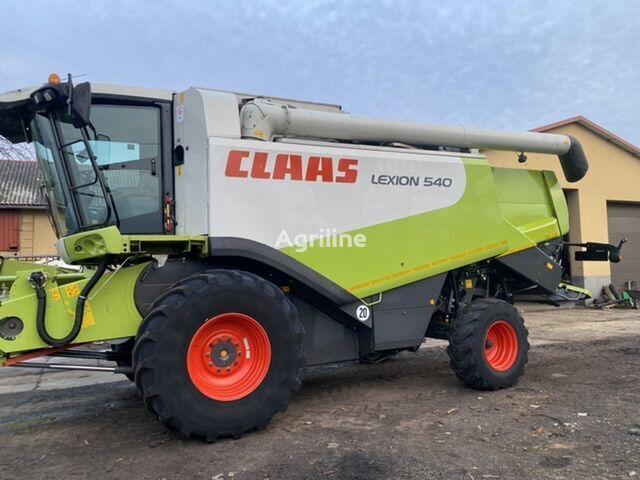 CLAAS 540 grain harvester