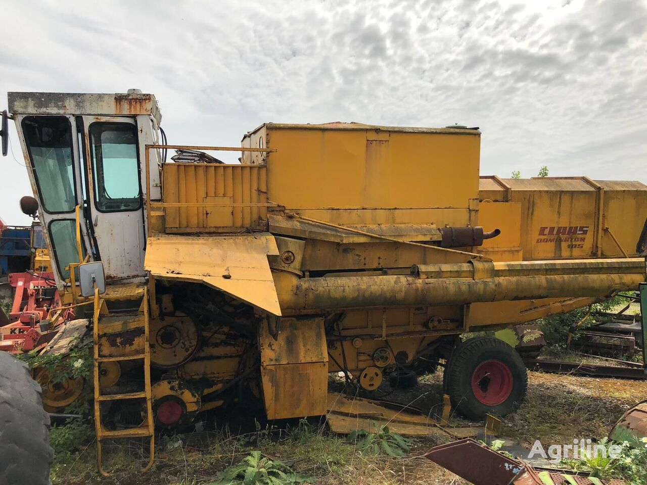 CLAAS Dominator FOR PARTS grain harvester for parts