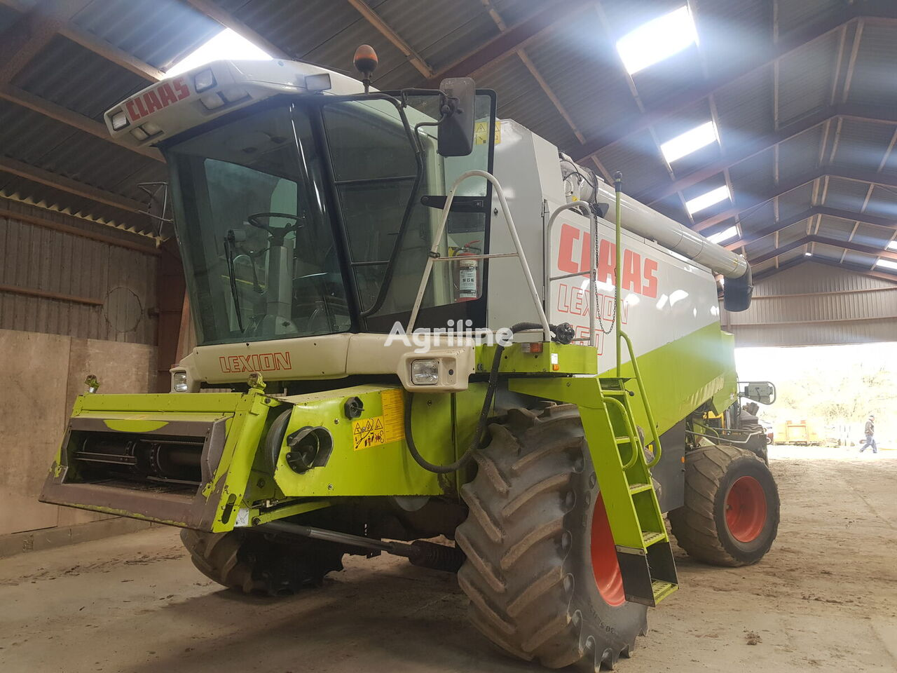 CLAAS Lexion 460 grain harvester