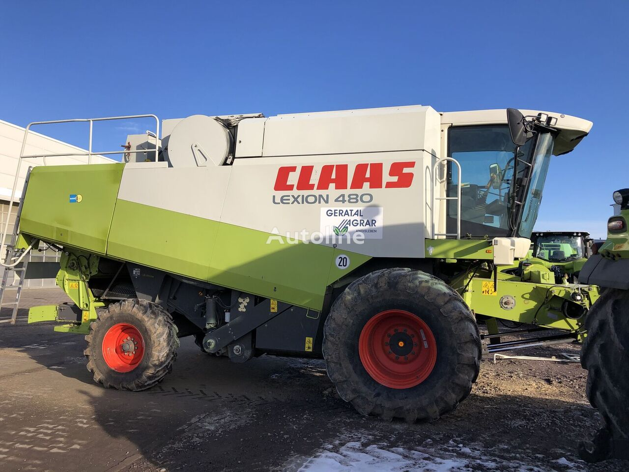 CLAAS Lexion 480  grain harvester