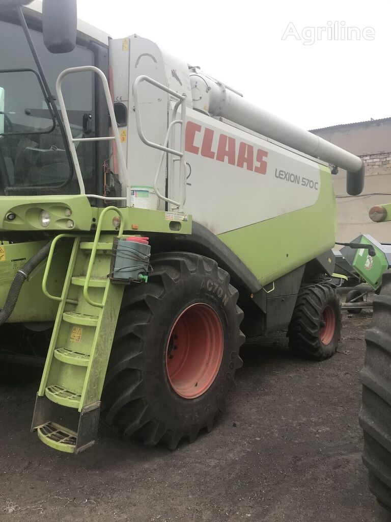 CLAAS Lexion 570 grain harvester