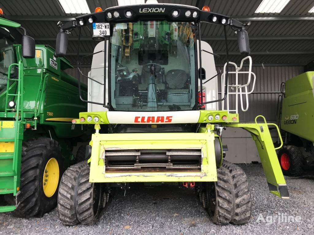 CLAAS Lexion 670 TT grain harvester