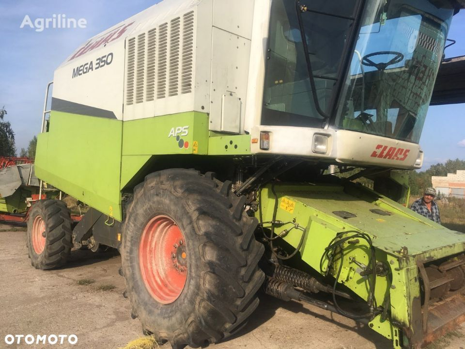 CLAAS Mega 350 grain harvester