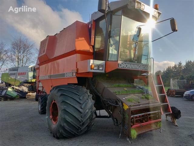 DRONNINGBORG 8900 Sælges i dele/For parts grain harvester for parts
