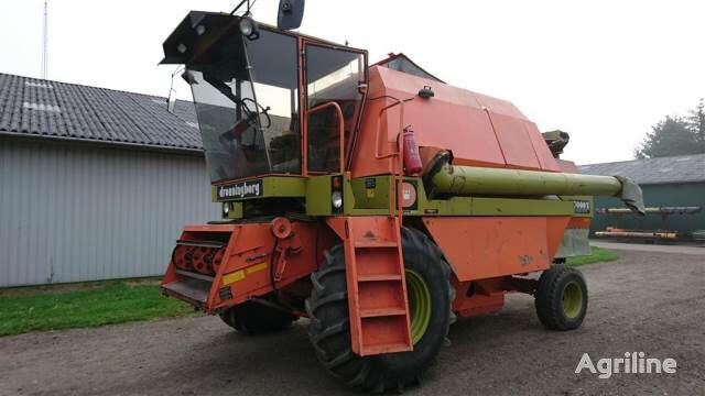 DRONNINGBORG D7000S (for parts) grain harvester for parts