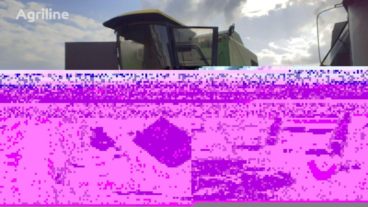 JOHN DEERE 1075 grain harvester for parts