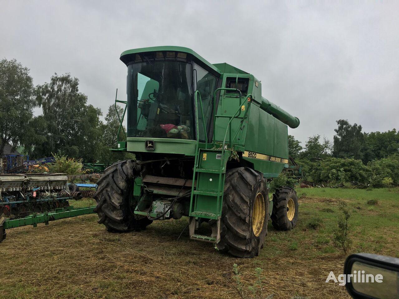 JOHN DEERE 9500  rozbor grain harvester for parts