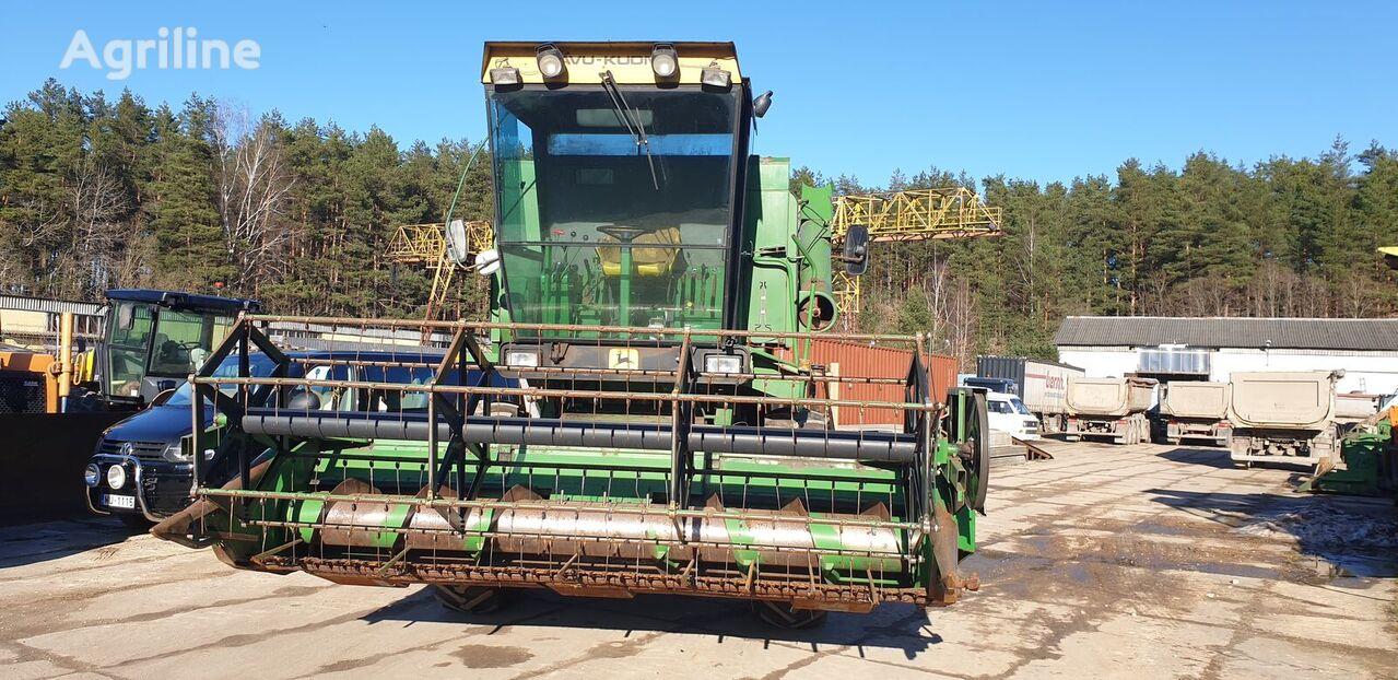 JOHN DEERE 955 A3 grain harvester