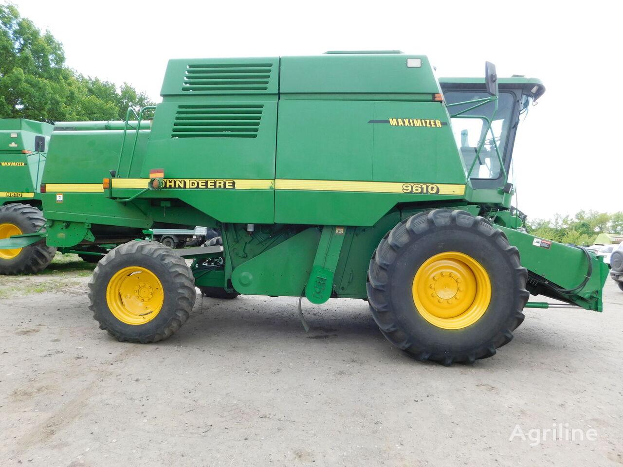 JOHN DEERE 9610 grain harvester