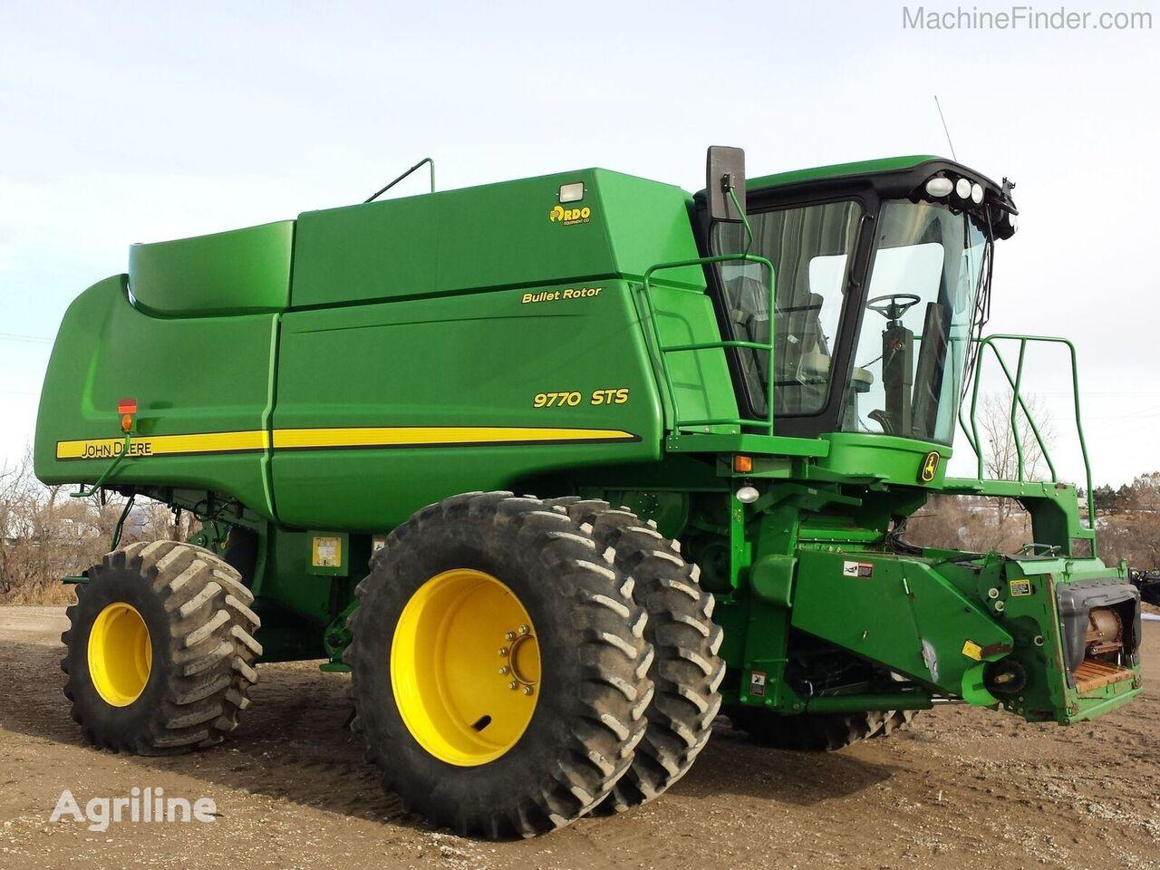 JOHN DEERE 9770 STS grain harvester