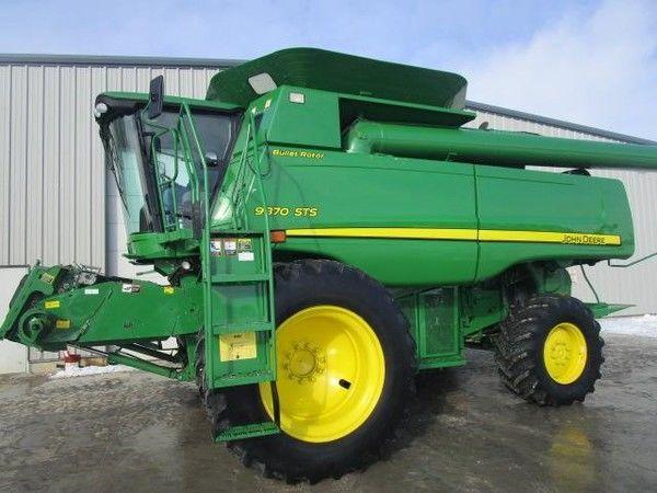 JOHN DEERE 9870 STS grain harvester