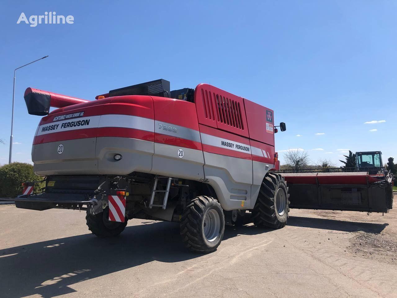 MASSEY FERGUSON 7282 v Lizing grain harvester