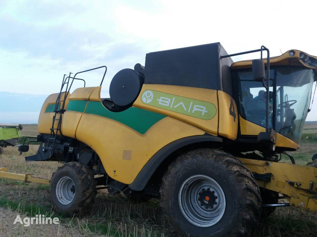 NEW HOLLAND CX6090 grain harvester