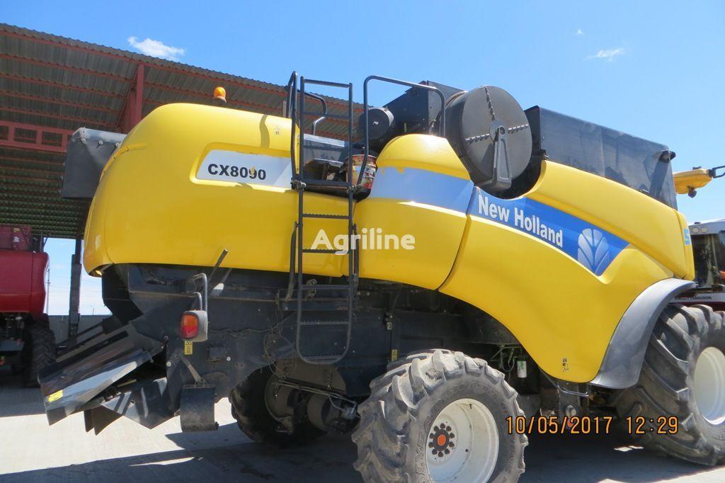 NEW HOLLAND CX8090 grain harvester