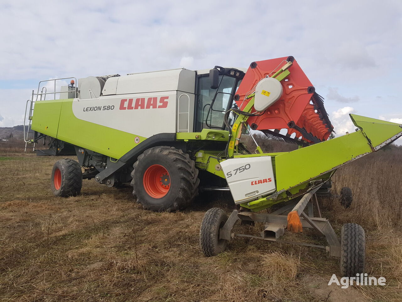 CLAAS S750 grain header