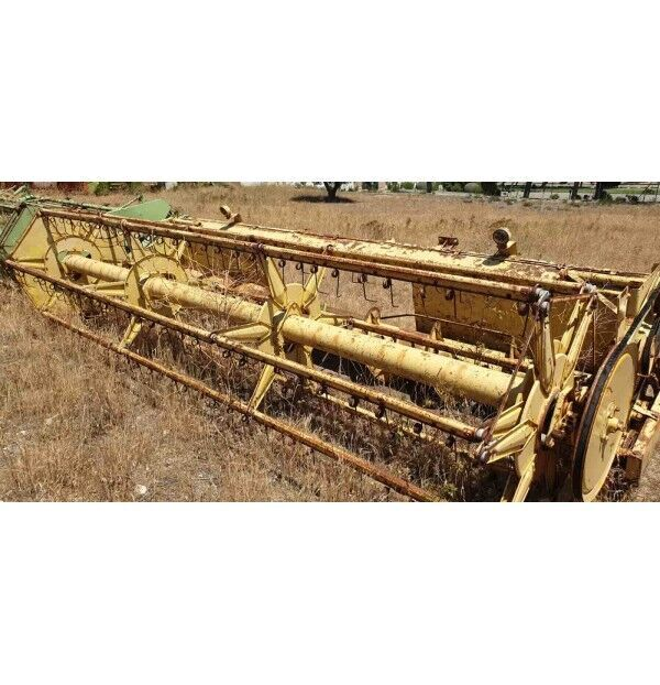 NEW HOLLAND Serie 1540-1545 grain header