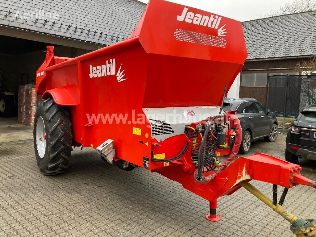 Jeantil 12/8 FIRST manure spreader