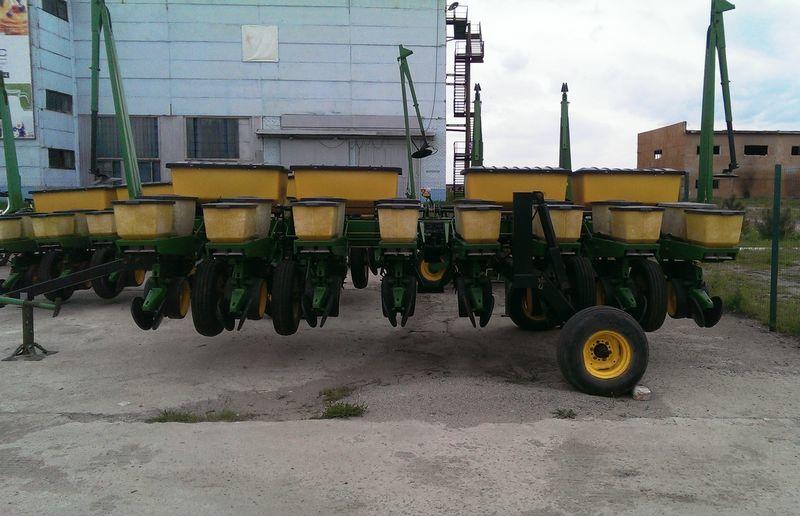 JOHN DEERE 7000 kak NOVAYa + transportnaya telezhka vysev. Presijion mechanical precision seed drill