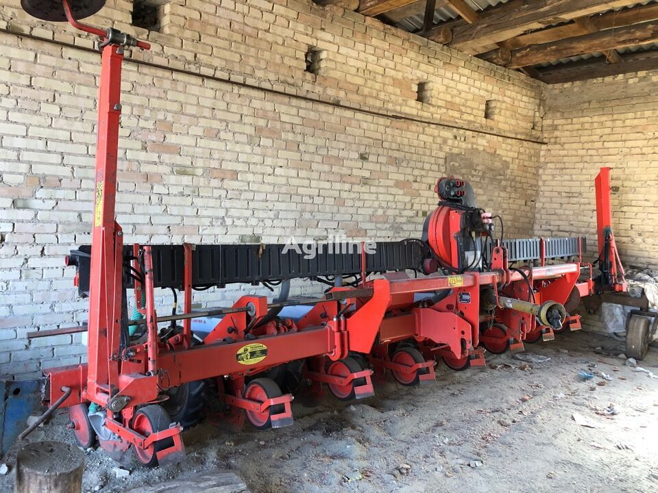 KUHN Planter 2 mechanical precision seed drill