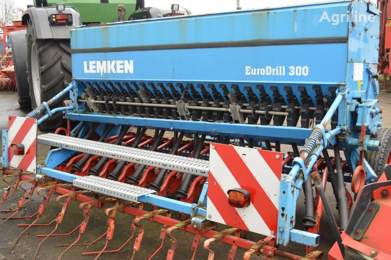 LEMKEN Eurodrill S300 mechanical seed drill