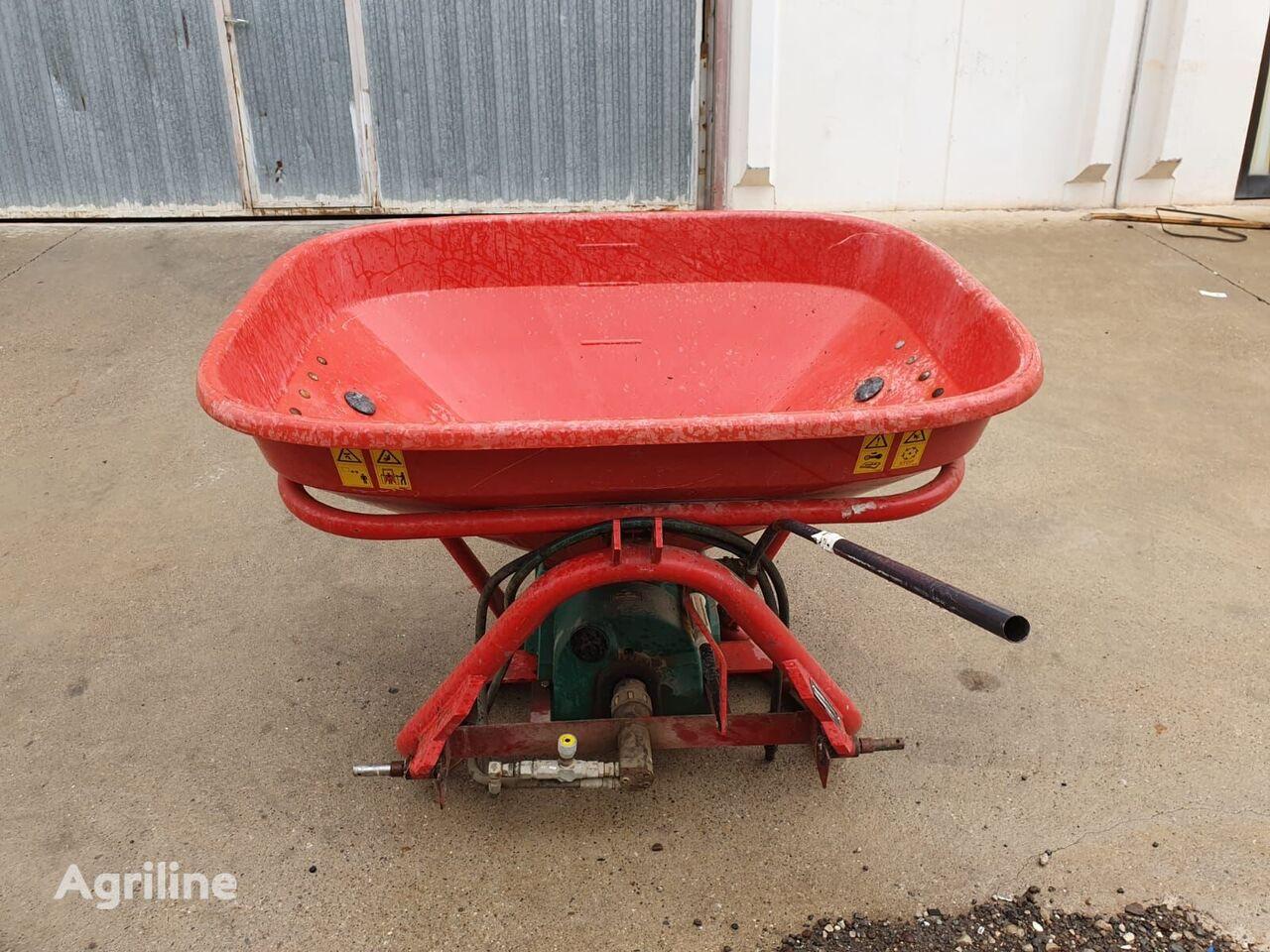 KVERNELAND PS 403 mounted fertilizer spreader