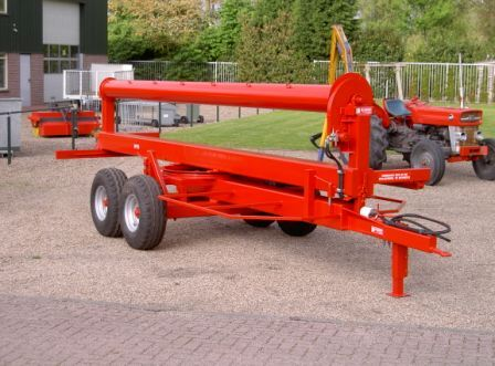 Mestzakhaspel mounted fertilizer spreader