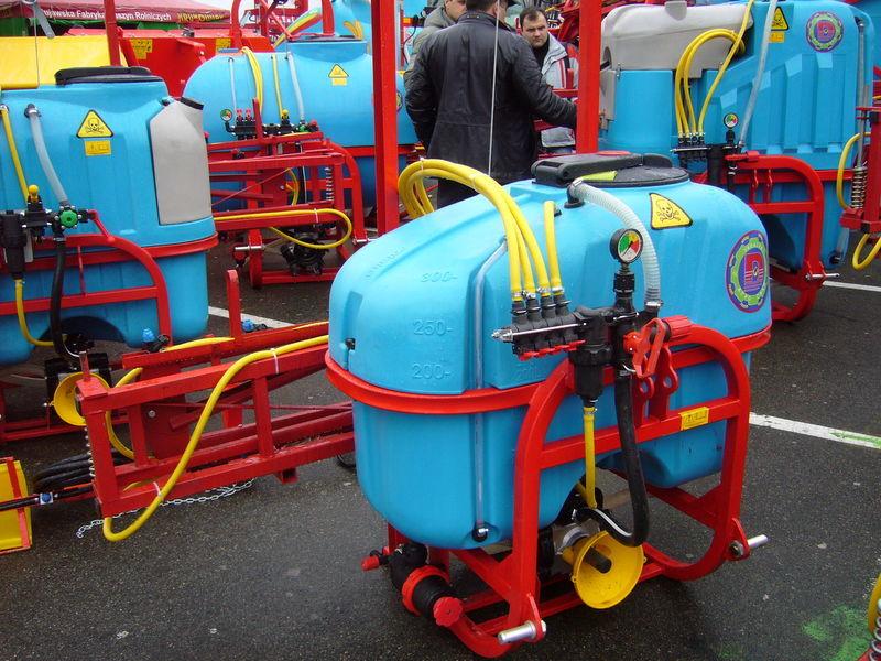 new MAKS 300 mounted sprayer