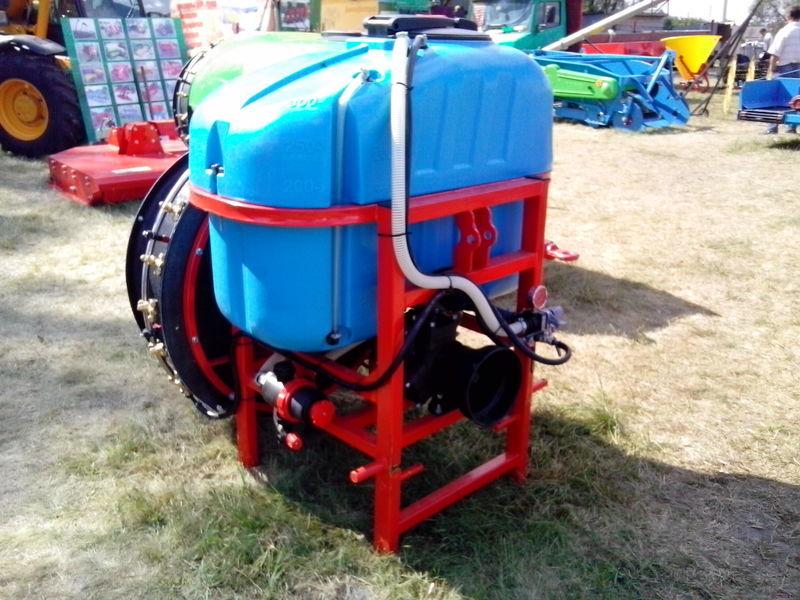 new sadoviy RODOS IT mounted sprayer