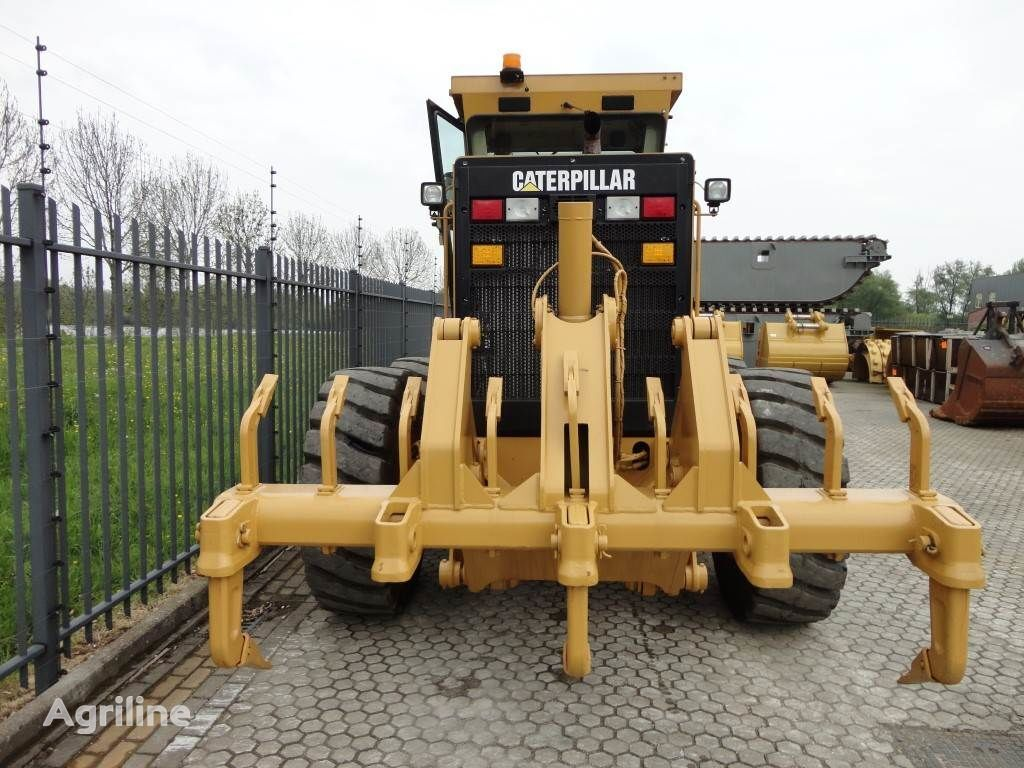 CATERPILLAR ripper to fit Cat 140 plough