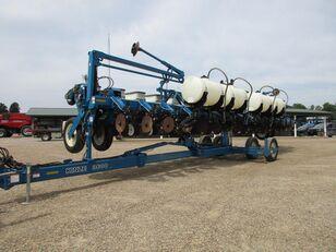 KINZE 3600 pneumatic precision seed drill