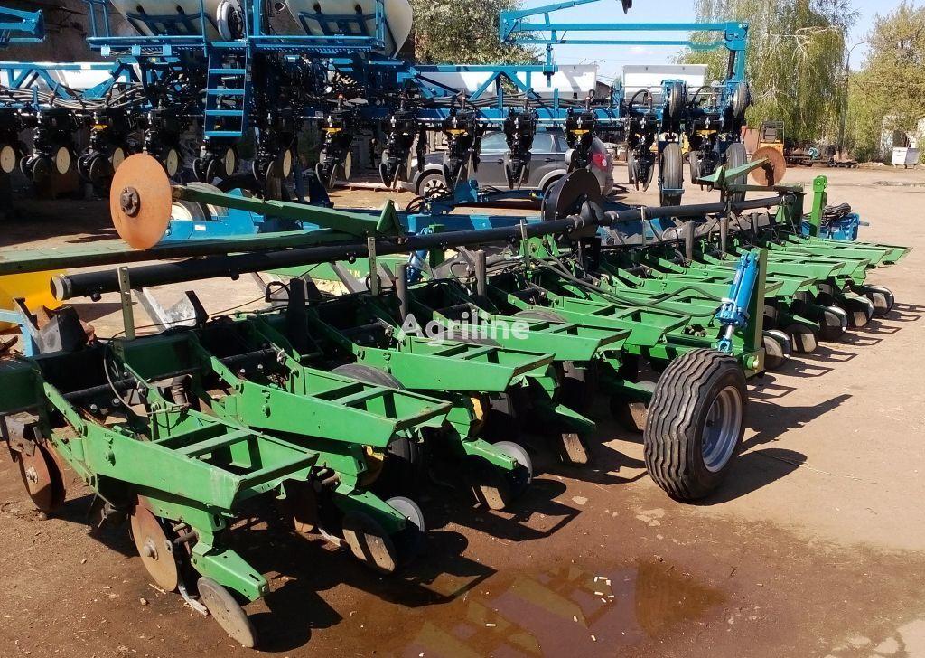 JOHN DEERE Transportnoe ustroystvo pneumatic precision seed drill