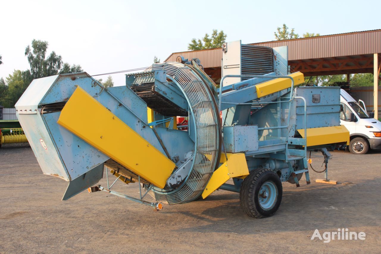 AGROMET Anna Z644 potato harvester