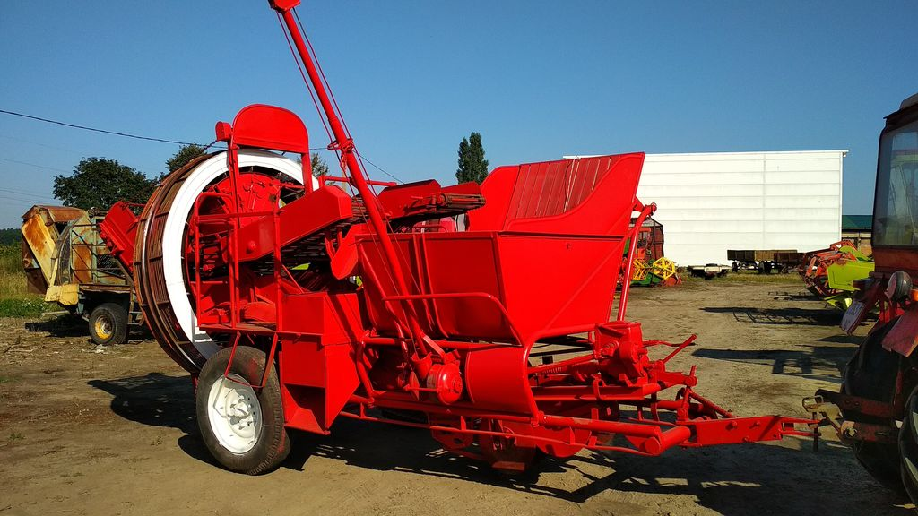 GRIMME JUNIOR potato harvester