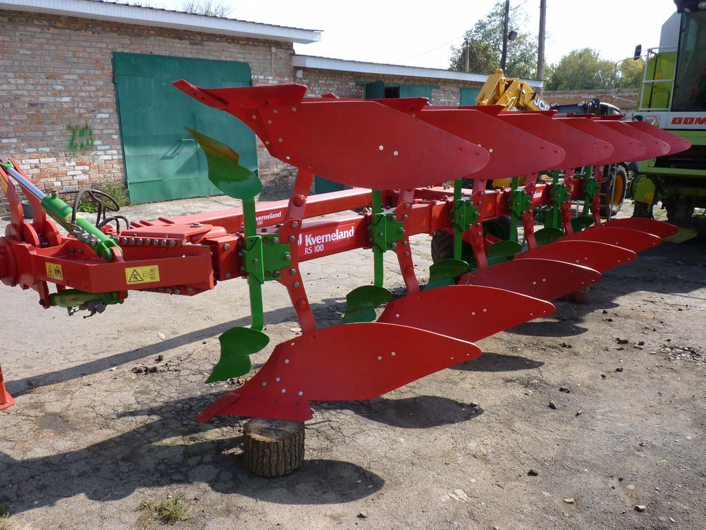 KVERNELAND RS 100 reversible plough