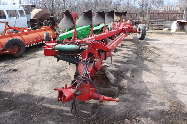 KVERNELAND RV-100 reversible plough