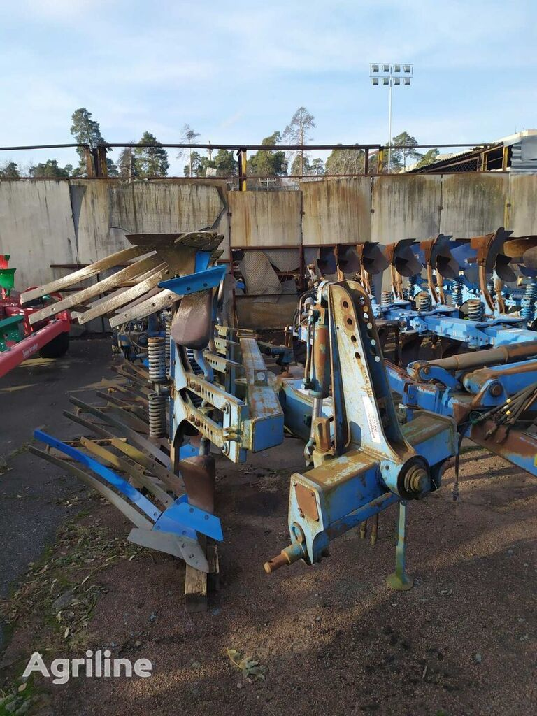LEMKEN Opal 140 reversible plough