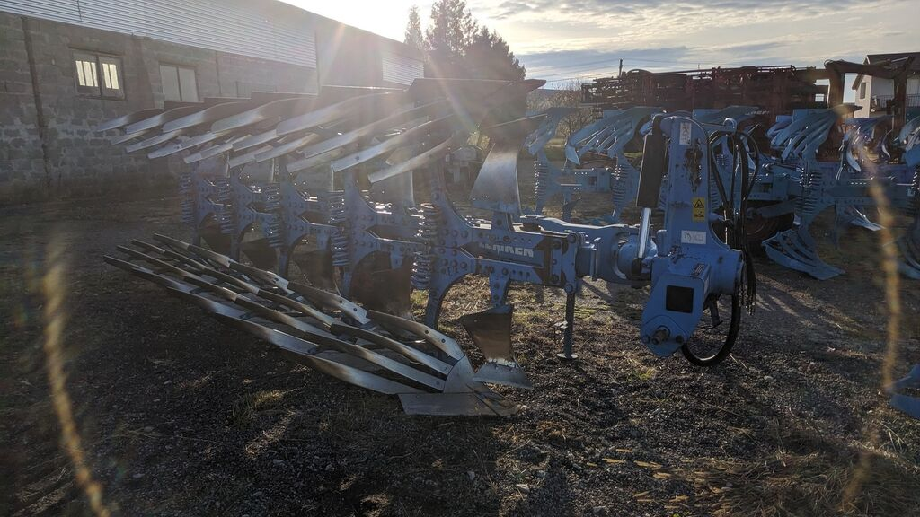 LEMKEN VariOpal 8 reversible plough