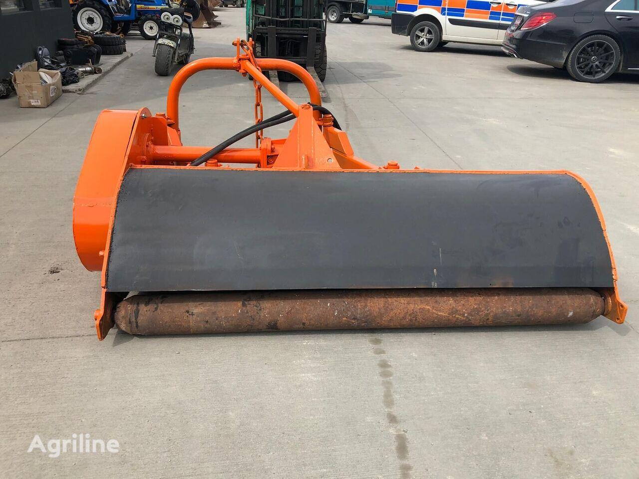 PERFECT 180 roadside mower