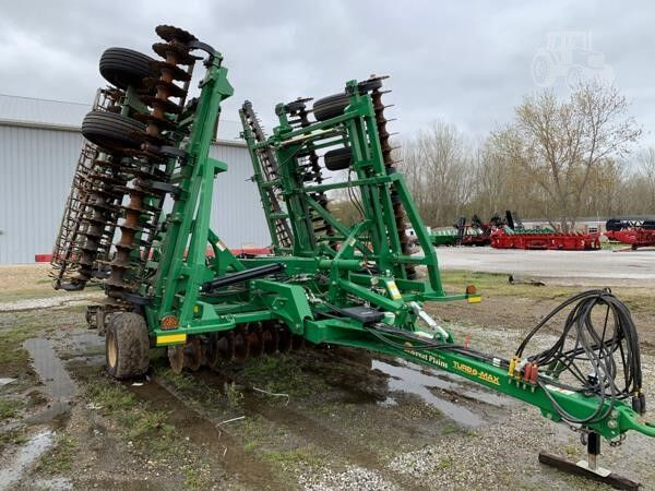 GREAT PLAINS Turbo max 3000 seedbed cultivator