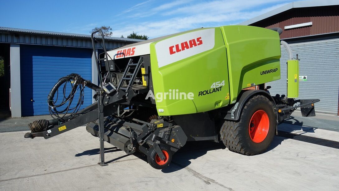 CLAAS Rollant 454 RC Uniwrap square baler