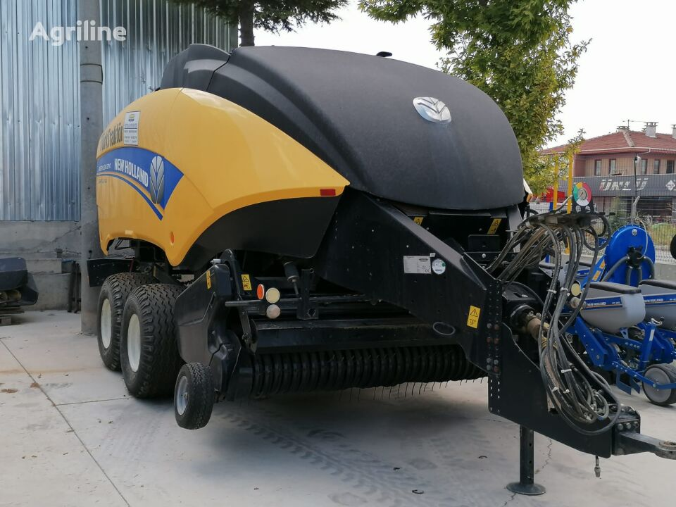 NEW HOLLAND BB1290 square baler